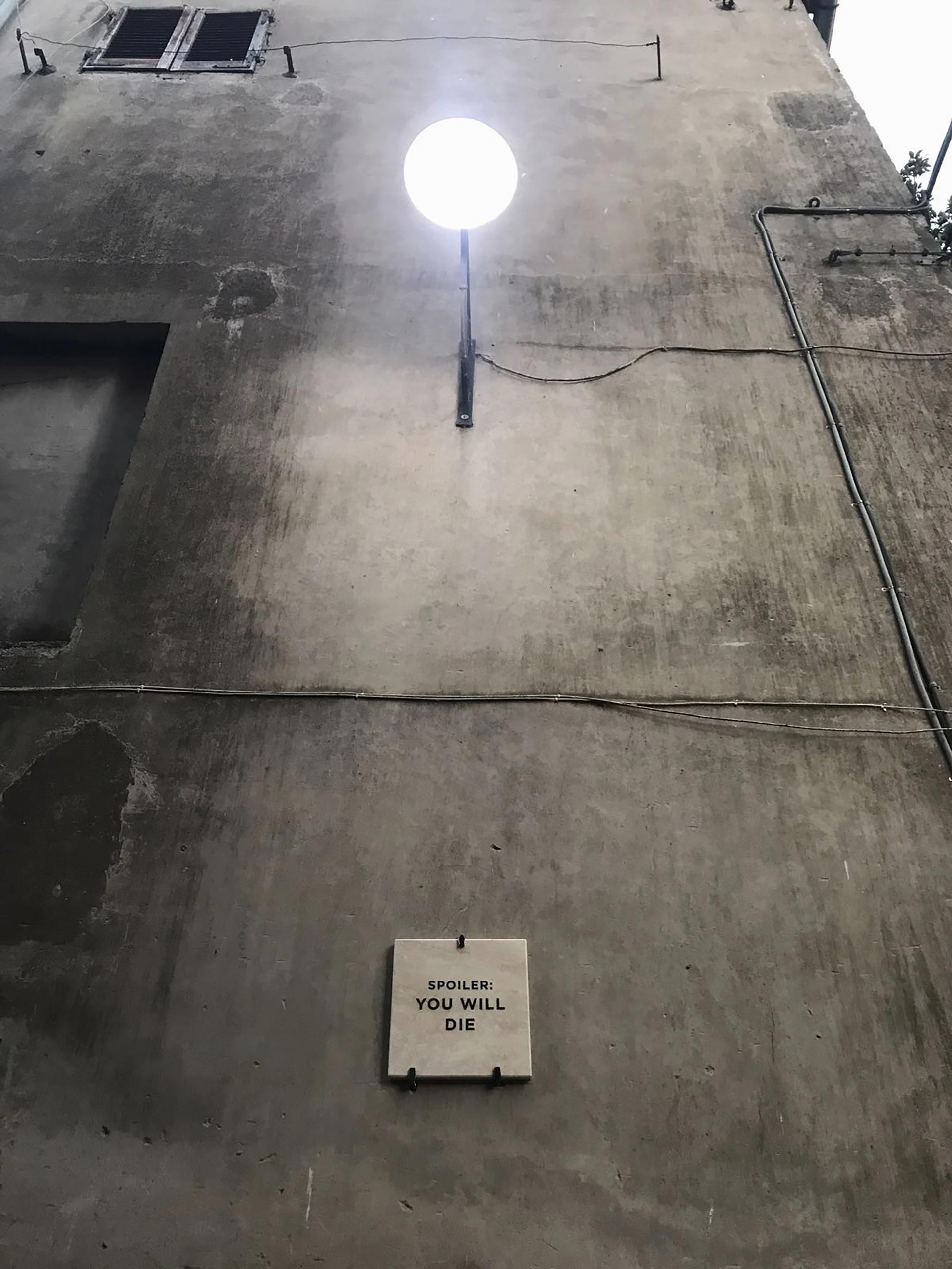 intervento installativo permanente presso il comune di Acquapendente (via del Rivo), nell'ambito di Urban Vision Festival. Intervento a cura di Serena Achilli.